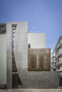 Alone House | Story Architecture